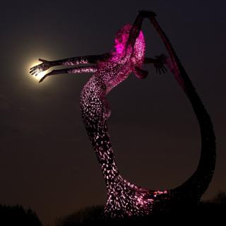It is of the sculpture Arria located at Eastfield Cumbernauld.
