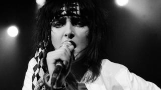Siouxsie Sioux performing