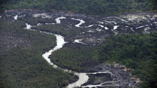 Photo of oil spills in Nigeria's southern Delta state