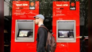 Avustralya'da para çekme makinaları