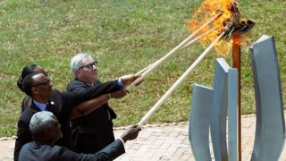 Rwanda president lights flame with others