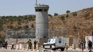 イスラエル軍は2日にパレスチナ人の女性を射殺。軍は女性が兵士を刃物で刺そうとしていたと説明した