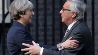 英媒頭條:梅首相稱自己是很難對付的女人