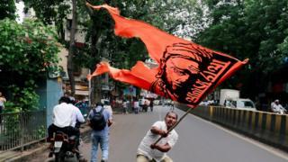 मराठा आंदोलन, आरक्षण की मांग, दलित के खिलाफ