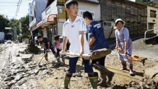 As imagens do rastro de destruição causado pelo tufão Hagibis no Japão
