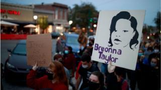 ब्लूमिंगटन में विरोध प्रदर्शन