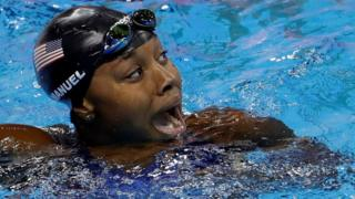 Simone Manuel celebrates winning Olympic gold