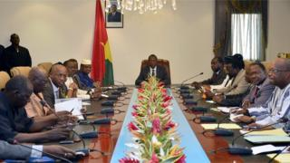 Le président Blaise Compaoré lors d'une réunion avec les leaders politiques de la majorité, le 25 septembre 2014.