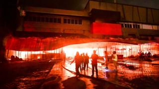 필리핀 남부에서 규모 6.4 지진이 발생해 어린이 1명이 사망하고 수십 명이 다쳤다.