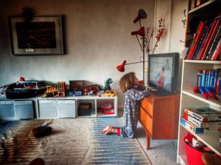 environment Jago and the tv