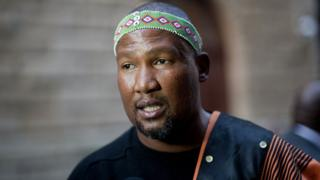 Mandla Mandela, l'ainé des petits-fils de Nelson Mandela, exige que les coupables des malversations soient traduits devant la justice.