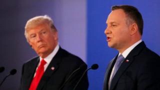 دونالد ترامپ در سال ۲۰۱۷ میلادی به لهستان سفر کرده بود