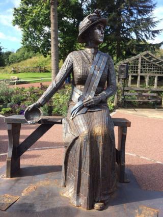 Statue of Emily Wilding Davison