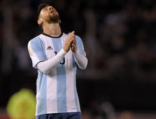 Lionel Messi se lamenta