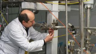 'ایران اورانیوم طبیعی از روسیه دریافت میکند'