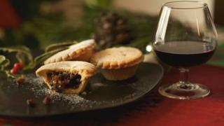 Christmas mince pie and mulled wine glass