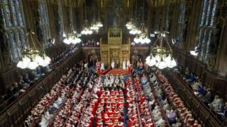 여왕의 국정 연설은 영국 정치에서 가장 눈에 띠는 볼거리다