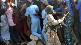 Des manifestants dispersés par la police à Ndjamena en 2009