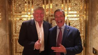 نایجل فاراژ (راست) و دونالد ترامپ