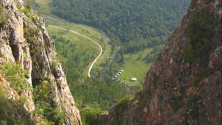 غار دنیسووا در سیبری که محل دیدار دو گونه مختلف انسان بود