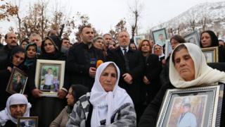 34 kişi için inşa edilen anıt mezarda düzenlenen anma törenine HDP Eş Başkanı Sezai Temelli ve milletvekilleri katıldı