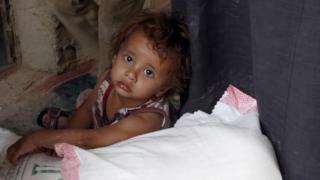 تقدم الأمم المتحدة ومنظمات المساعدات الأنسانية المساعدة لنحو ثمانية ملايين يمني شهريا