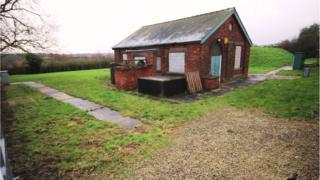 Redundant reservoir & building, Bog Lane, Melbourne, Derby, Derbyshire