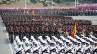 Kuzey Kore'nin kurucusu Kim Il-Sung'un 105. doğum yıldönümü nedeniyle 15 Nisan'da yapılan askeri geçit töreninden bir kare