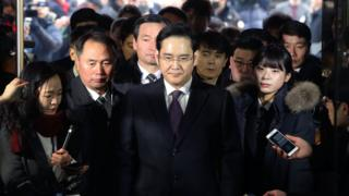 Lee Jae-Yong, vice chairman of Samsung Electronics, arrives at the Seoul Central District Court in January 2017