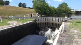 Leeds and Liverpool Canal at BArrowford