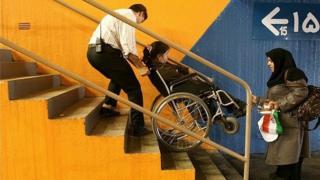 هزاران پرنده آبی پیام رسان مشکلات معلولان