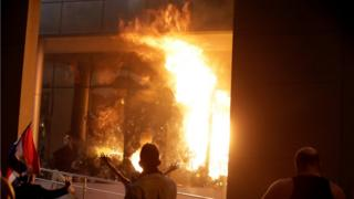 Protesters set the Congress building on fire in Paraguay