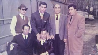 Ali Özkan (sağda) ve arkadaşları