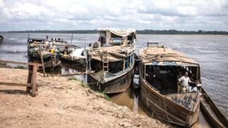Amato yunguruza abantu n'ibintu ku ruzi Kongo mu 2014