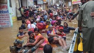 அதிதீவிர மழையால் ஆடிப்போன நீலகிரி, கேரளா, கர்நாடகா, மகாராஷ்டிரா