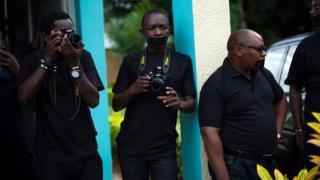 Abanyamakuru b'ikinyamakuru Iwacu mu Burundi mu 2015