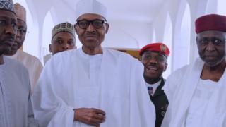 Buhari alijitokeza wakati wa swala ya Ijumaa msikitini katika ikulu wiki iliyopita