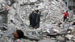 Halep'te yıkılan bina