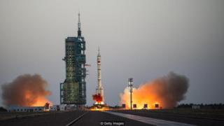 Cina memiliki rencana eksploras angkasa luar yang sangat ambisius, teramsuk misi ke sisi terjauh bulan