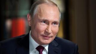 푸틴 대통령은 18일 대선에서 연임 당선이 유력하다