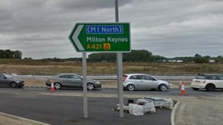 A421/M1 road sign