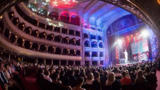 На церемонии награждения в Одесском оперном театре вручили призы лучшим фильмам в конкурсных программах