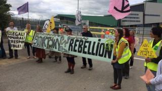 Demo outside incinerator