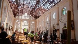 interior de igreja atingida