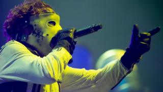 Ban on spiked collars at Slipknot gig in Glasgow 'ridiculous' thumbnail