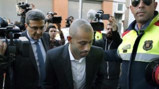 Javier Mascherano arrives in court in Gava, north-east Spain (29 October 2015)