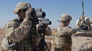 Suriye'de ABD askerleri devriye görevinde.