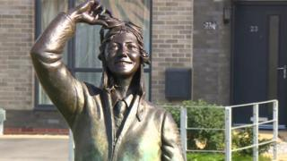 Statue of Amy Johnson