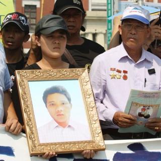 阮国非的父亲在台北公开要求台湾政府给死者家属一个公道。