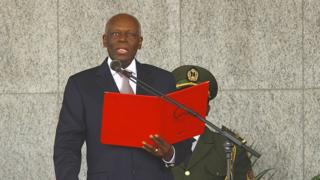 Le président Jose Eduardo Dos Santos